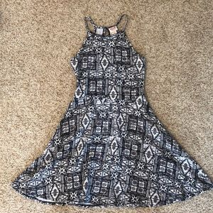 Mossimo black and white patterned dress